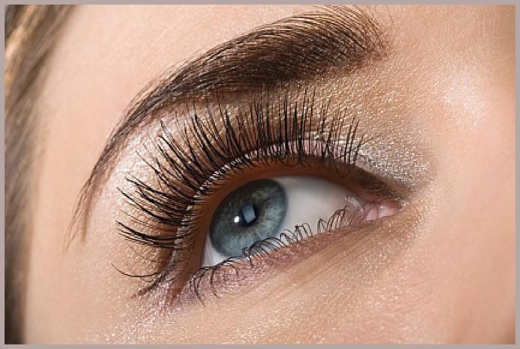 Wear False Eyelashes. boudoir photography in Portland, OR. Photography by Rayleigh. byrayleigh.com